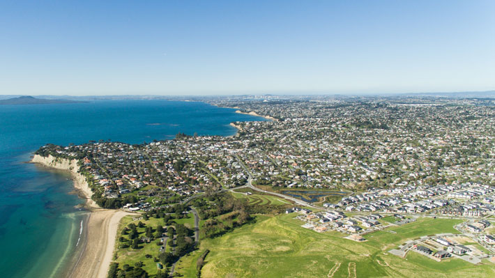 Auckland-Long-Bay-iStock-607776706