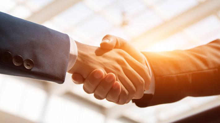 Handshake-iStock-537252274